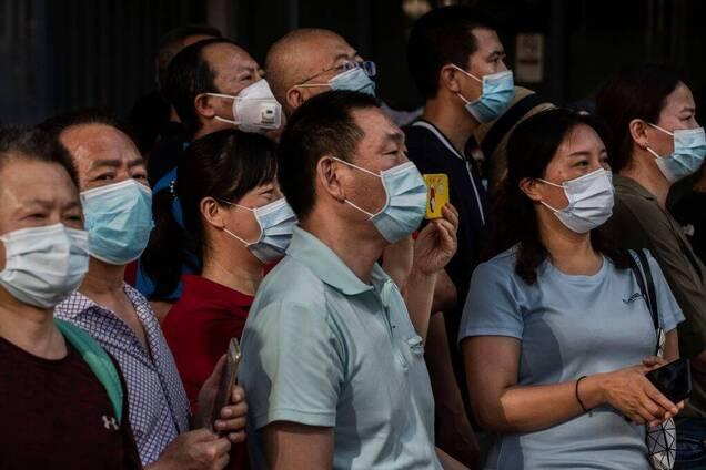 В Китае начали вторую фазу испытаний вакцины от COVID-19 на людях