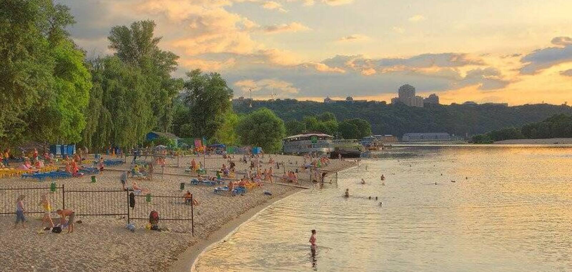 У Києві на пляжах з'явились жовті прапори