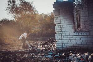 От огня пострадали более сотни домов и еще около пятидесяти полностью уничтожены