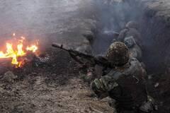 Воины ВСУ в окопах