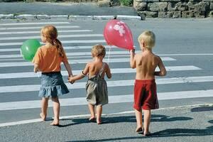 Полиция Днепра напомнила о правилах безопасности на дороге