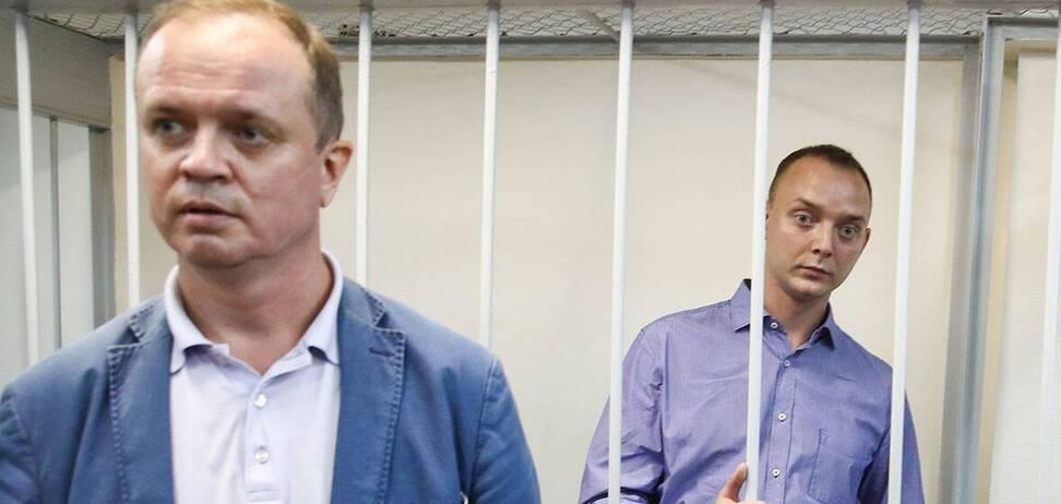 Это вы к 1999 году зачистили поляну так, что на ней остался один Путин!