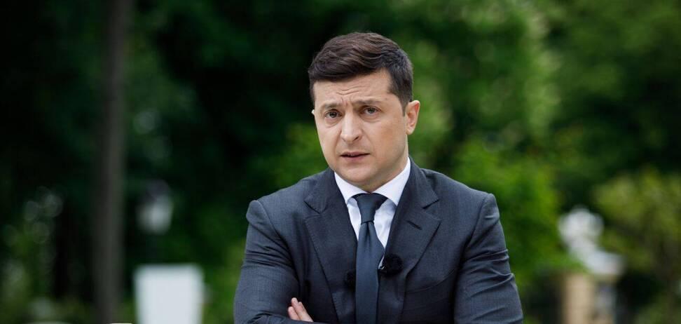 З'явилася петиція з вимогою до Зеленського піти у відставку за порушення закону