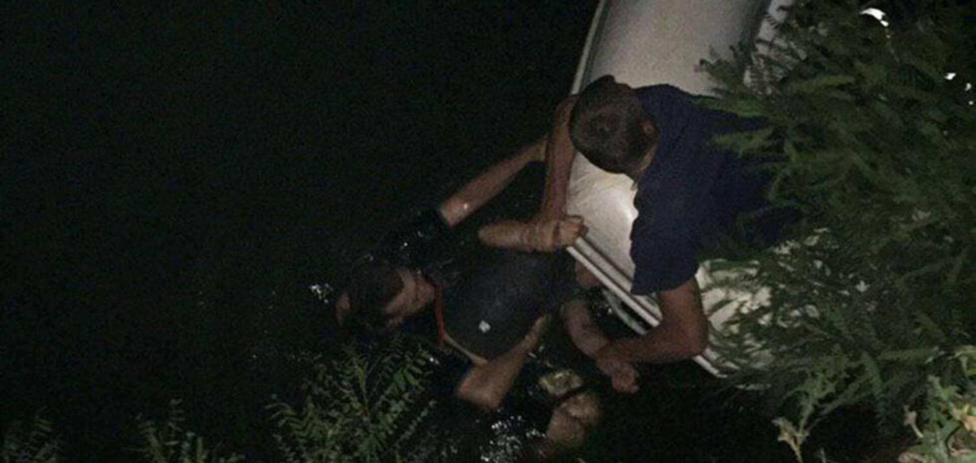 У Дніпрі врятували потопаючого чоловіка. Фото