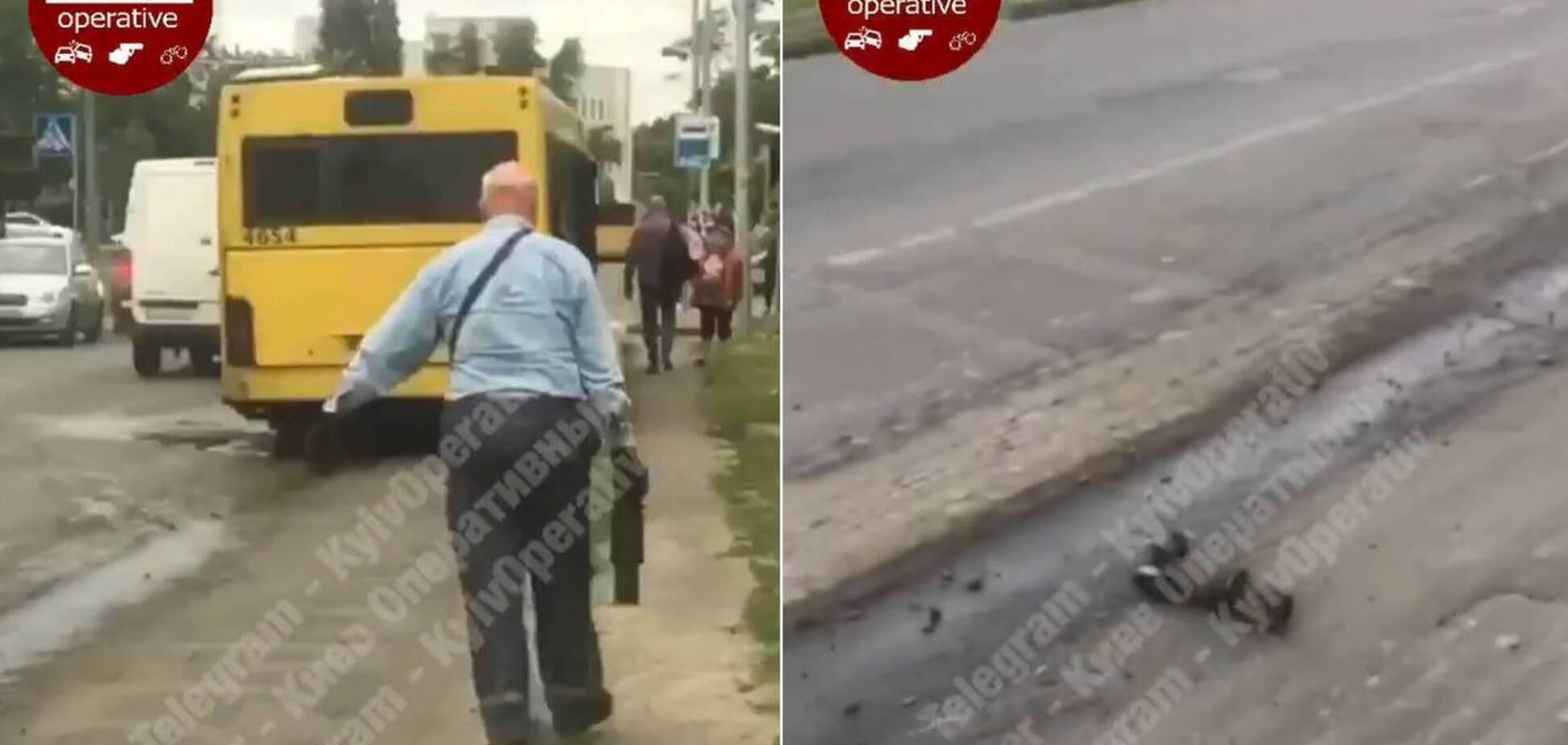 В Киеве автобус 'рассыпался' прямо на дороге