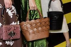 Как подобрать сумку к платью по цвету: советы от Андре Тана