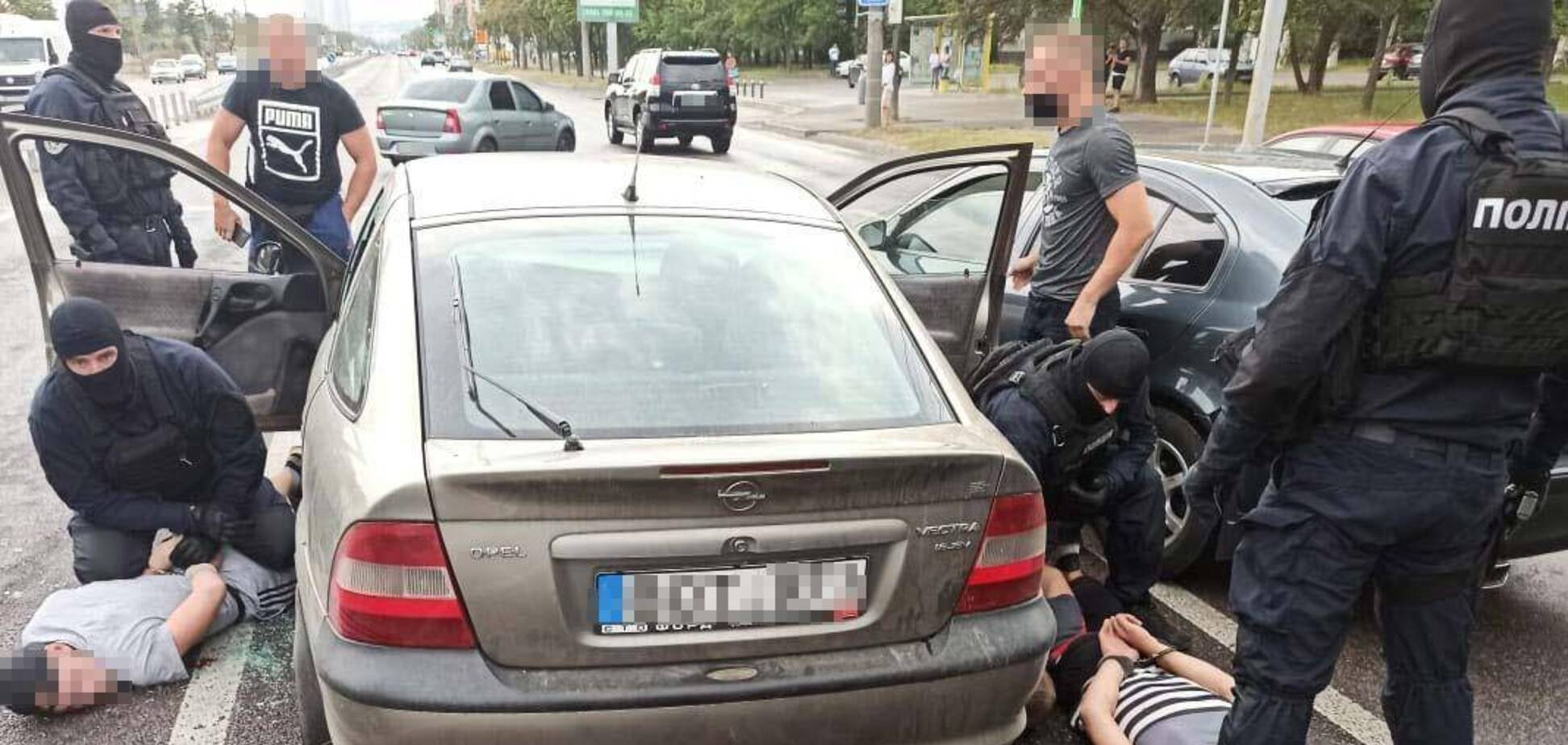 У Дніпрі піймали банду серійних крадіїв. Фото, відео
