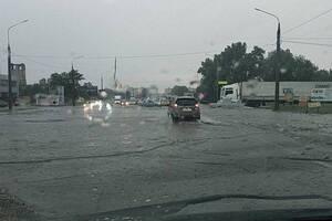 Ливень затопил Запорожье и Харьков
