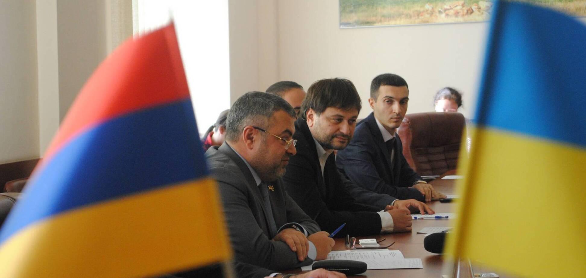 МЗС Вірменії поінформував посла України про агресію Азербайджану