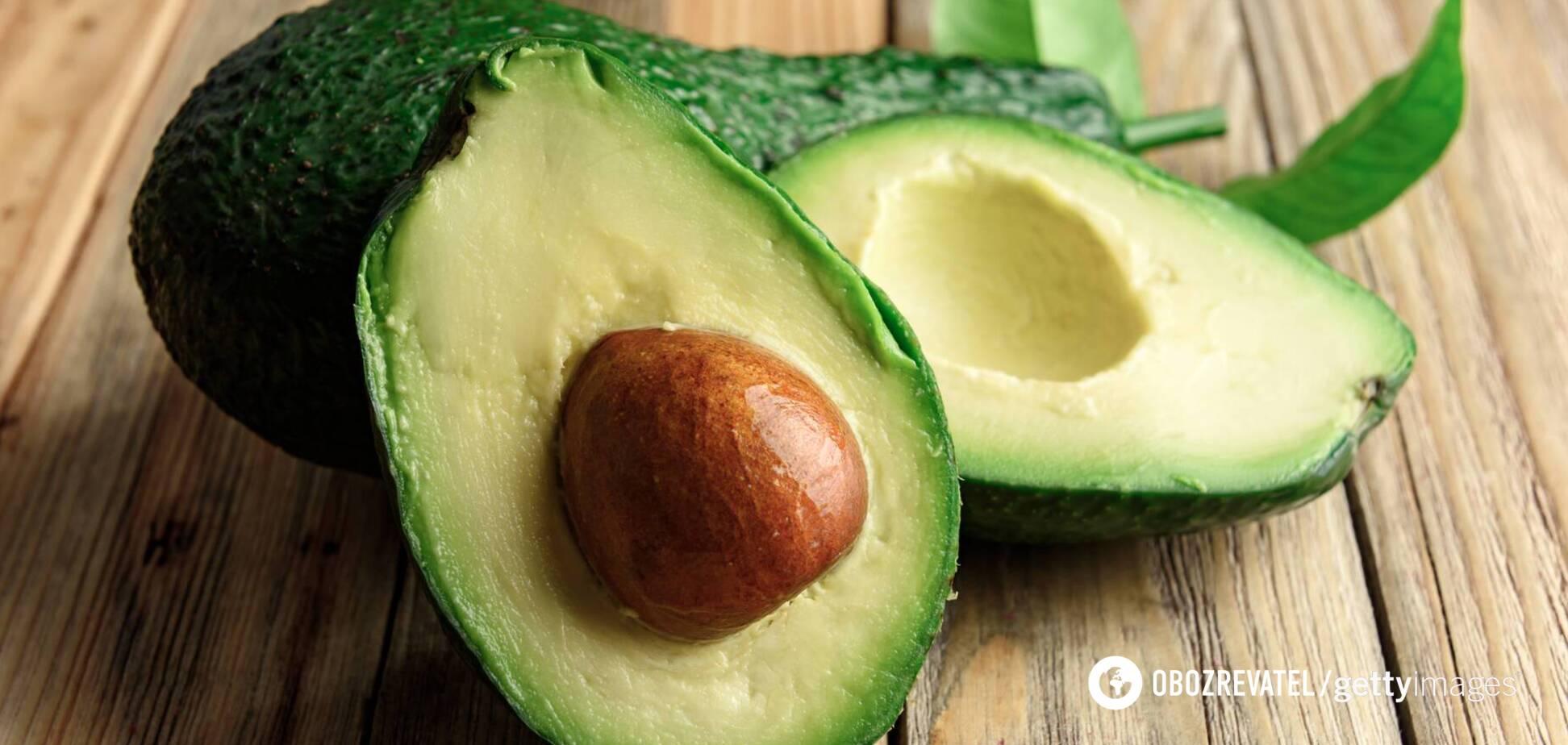 Не рекомендується класти зелене авокадо в духовку