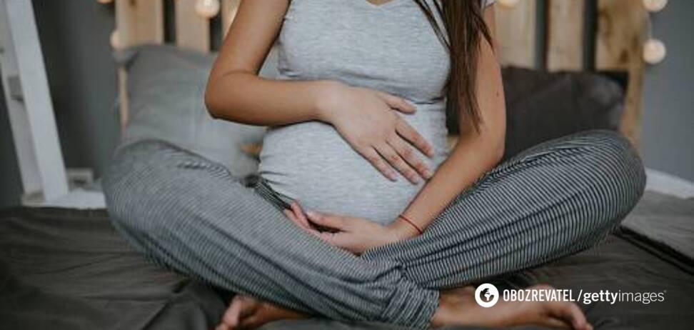 Женщина родила во время сеанса экзорцизма, не подозревая о беременности