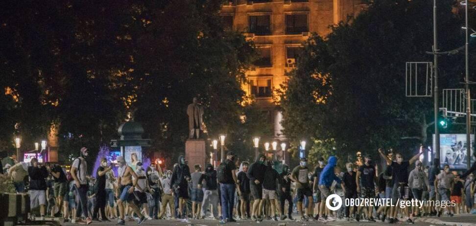 'Украинский след' в сербских протестах: кто разгоняет фейк?