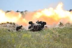 Артиллеристы ВМС показали уничтожение условного десанта врага на учениях