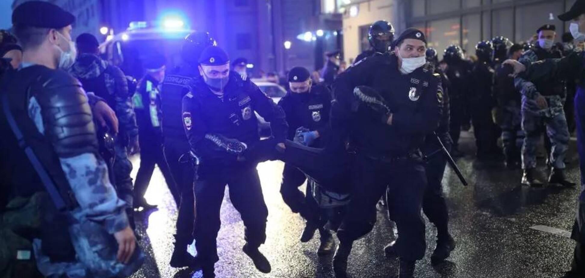 На акциях протеста против реформы конституции РФ задержали более 100 человек