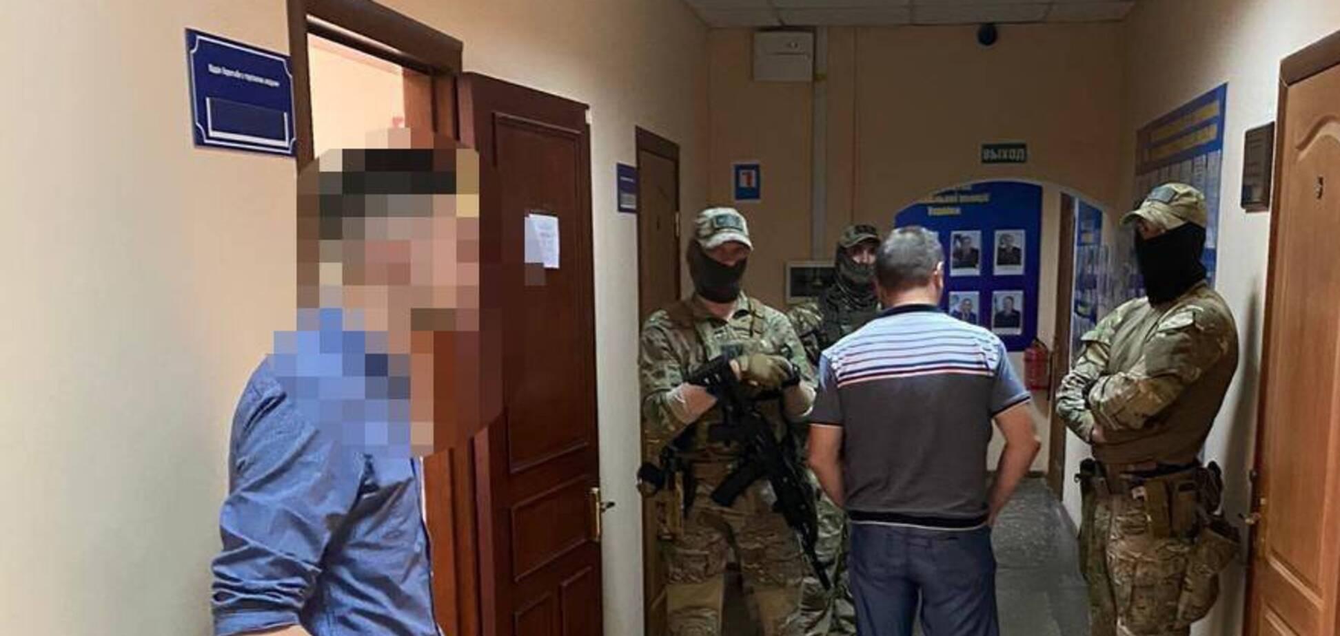 В Одесі поліцейські 'кришували' 13 борделів: ДБР викрило схему