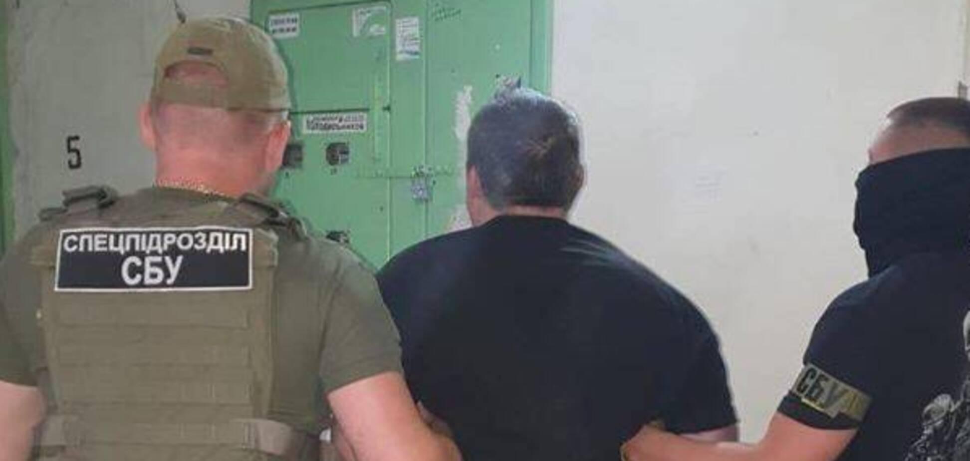 СБУ задержала двух полицейских, которых уличили в 'крышевании' проституции (фото: СБУ)
