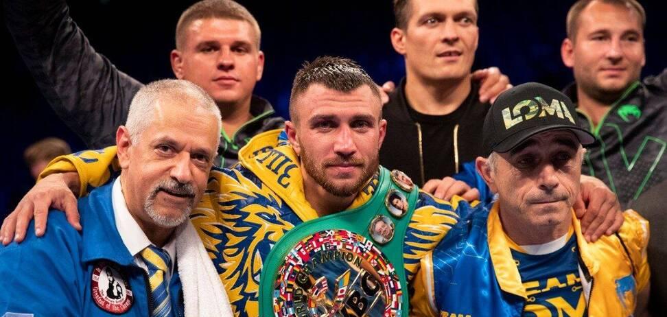 Василь Ломаченко з поясом WBC