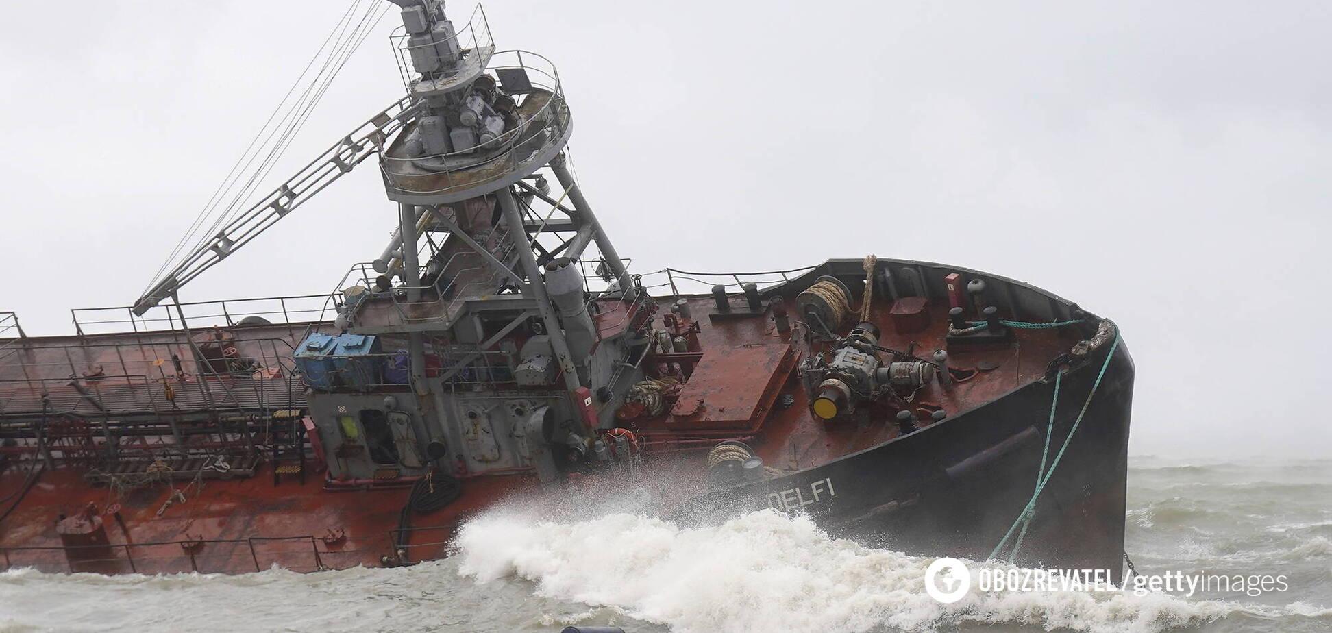 НП з танкером Delfi в Одесі: еколог розкрив небезпеку розпорядження президента