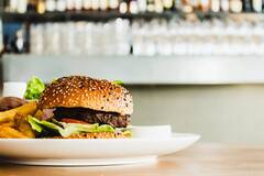 27 июля считается считается днем рождения гамбургера