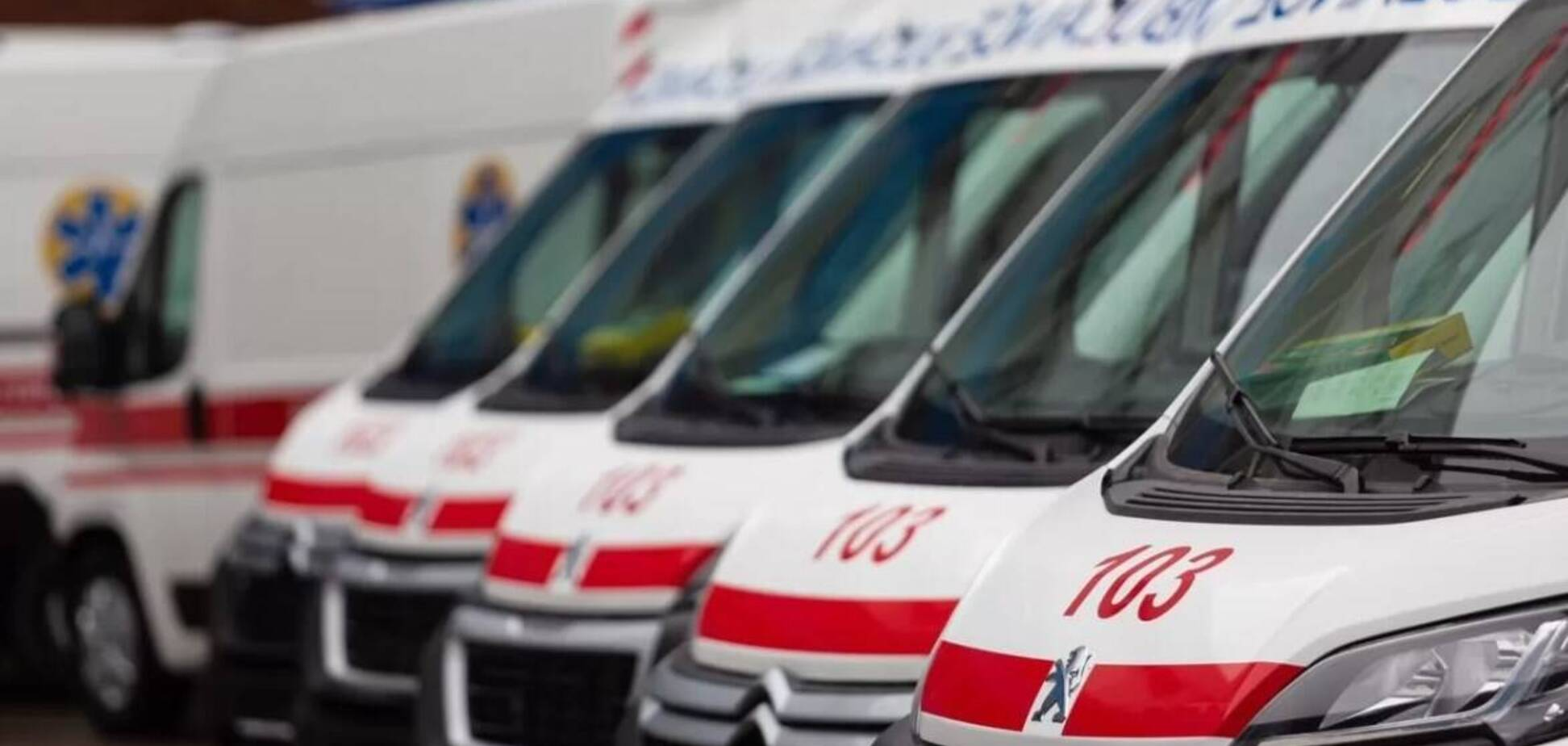 Іноземець помер в машині швидкої допомоги. Іноземець помер в машині швидкої допомоги