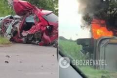 Под Мукачево грузовик раздавил Mazda, погиб тренер, девочка и парень. Видео с места ДТП