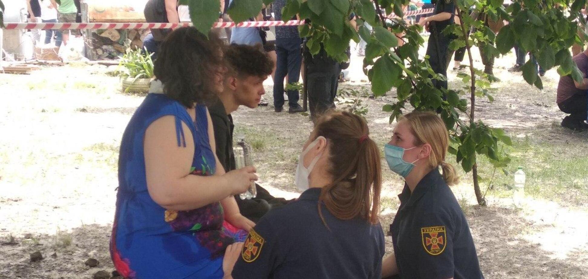 Постраждалим від вибуху на Позняках допомогли відновити документи