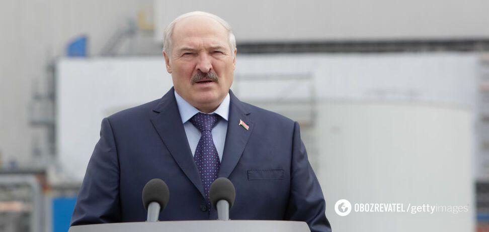 Лукашенко пригрозил 'навести порядок' со свободой слова в Беларуси