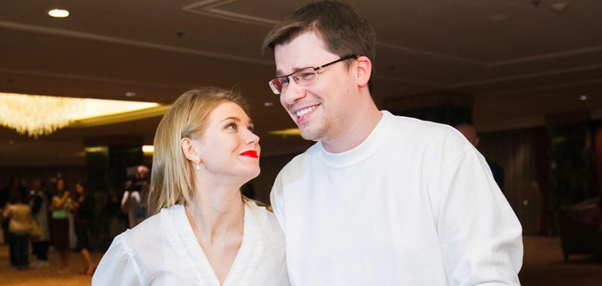 Харламов висміяв чутки про розлучення з Асмус: назвав себе тираном і алкоголіком