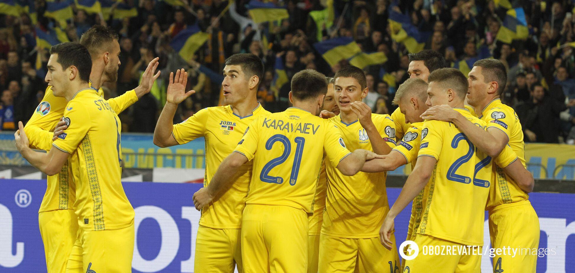 Збірна України з футболу святкує гол