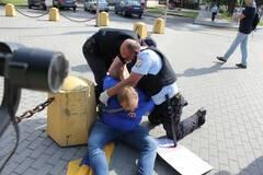 В Гатчине задержали участников акции в поддержку крымских татар