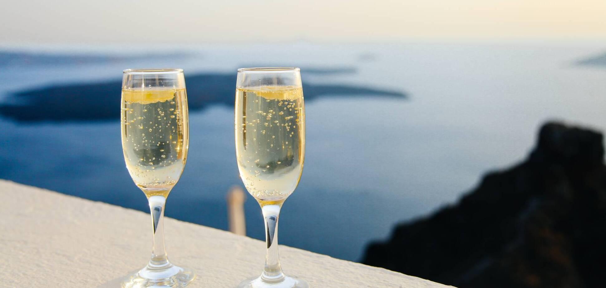 Алкогольные напитки крайне опасно пить в жару