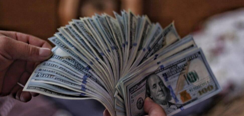 Боротьба з відмиванням грошей в Україні: скільки завели справ за пів року 2020-го