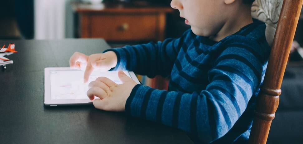 Отучать ребенка от гаджетов нужно постепенно