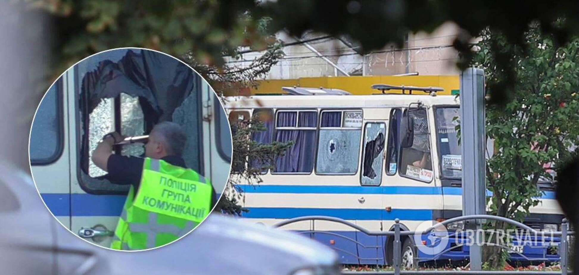Терорист в Луцьку відкрив вогонь з автобуса