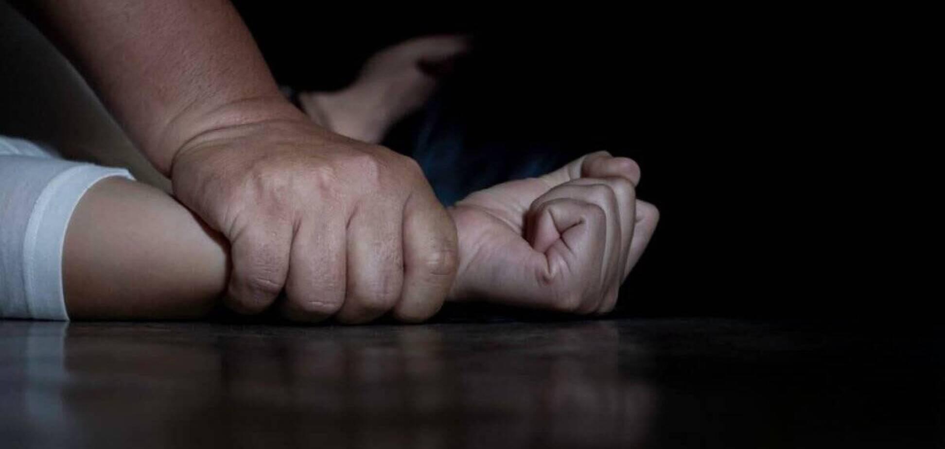 У Дніпрі на Монастирському острові зґвалтували жінку: поліція шукає злочинця