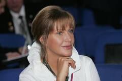 66-річна Проклова засвітила фігуру в купальнику й обличчя без макіяжу. Фото