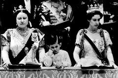 На момент коронации Елизаветы II Чарльзу было 4 года