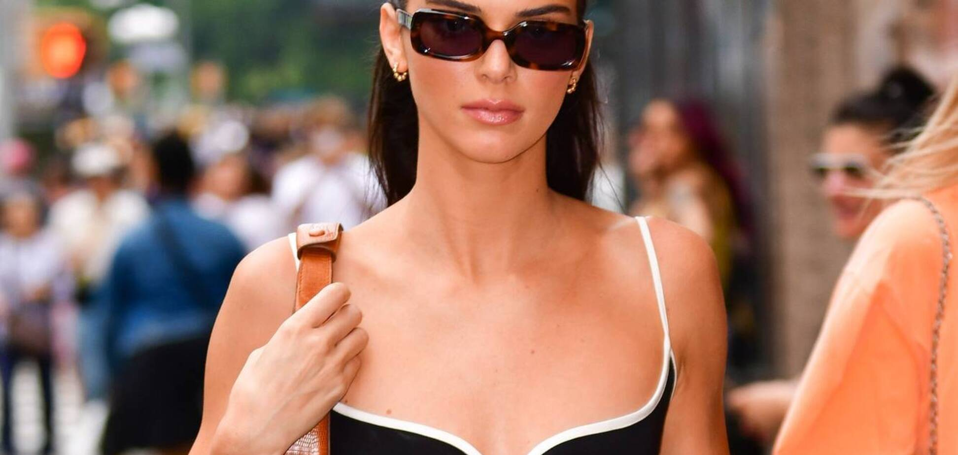 Кендалл Дженнер в сукні Paris Georgia