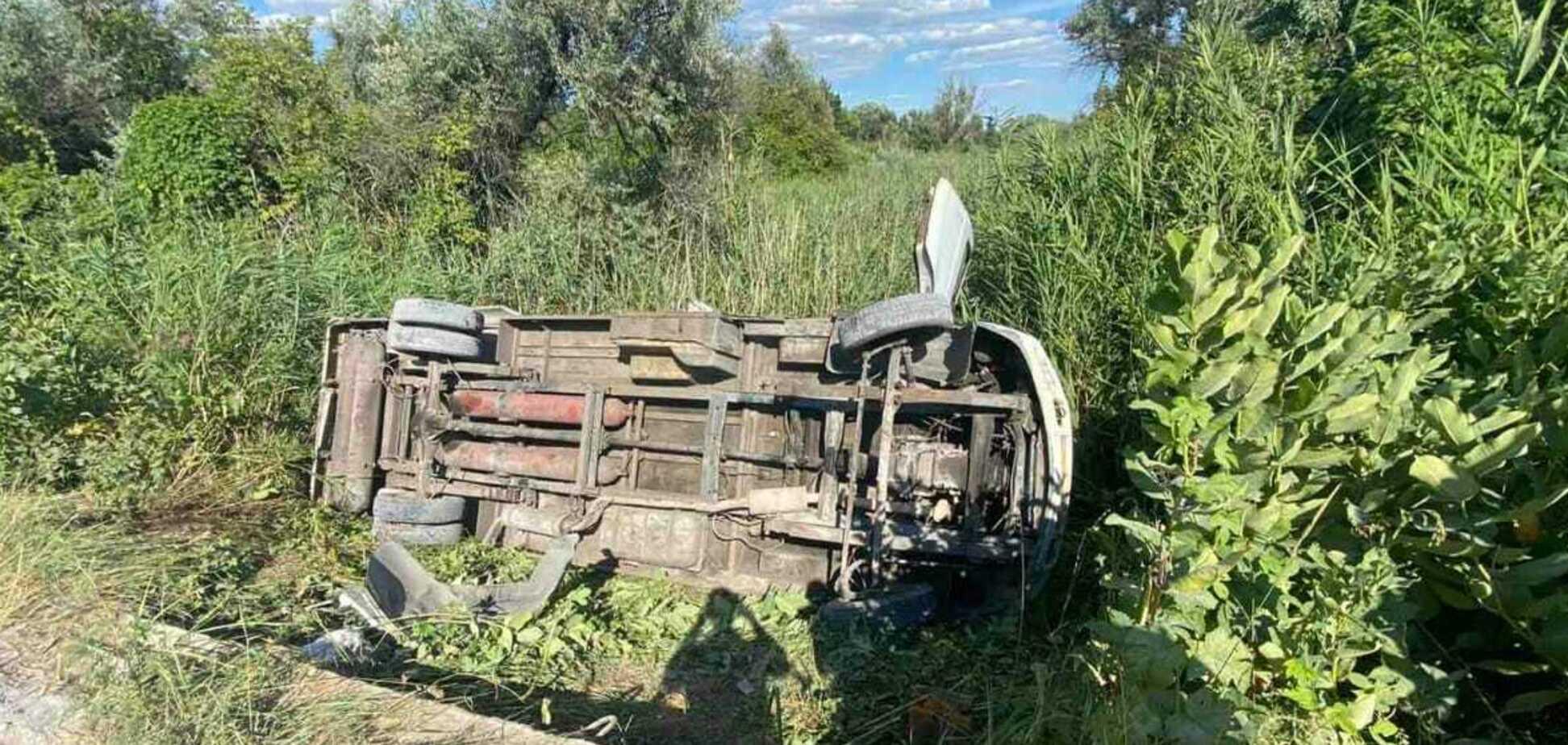 У ДТП за участю автобуса на Дніпропетровщині постраждало 15 осіб