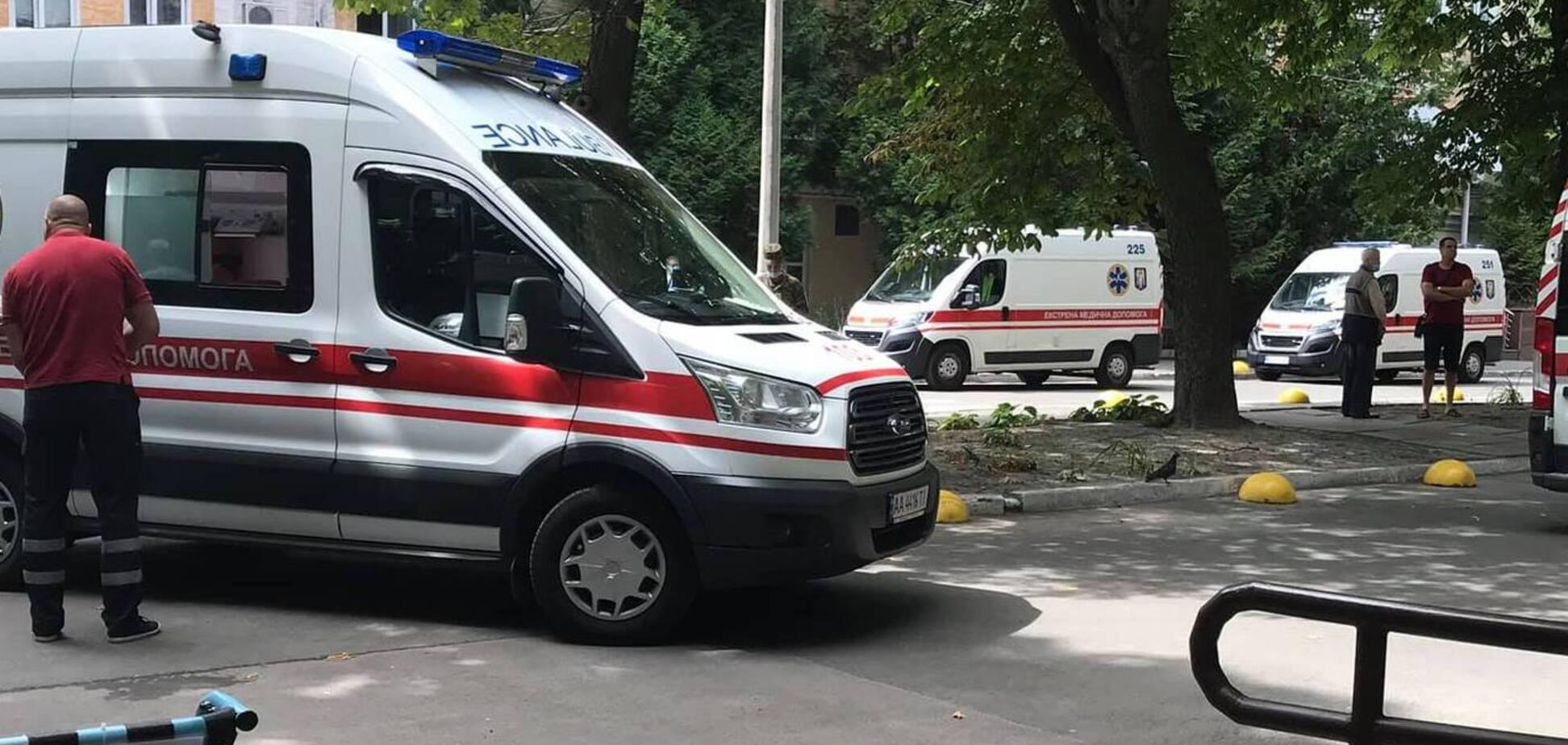 В Киев привезли раненых на Донбассе украинских героев