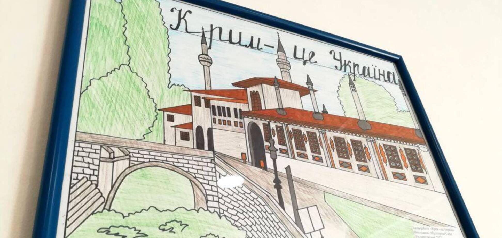 Настрої в окупованому Криму: від 'спалення мостів' до внутрішньої еміграції