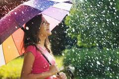 Спека і дощі:  синоптики уточнили прогноз погоди на понеділок (фото: fonwall.ru)