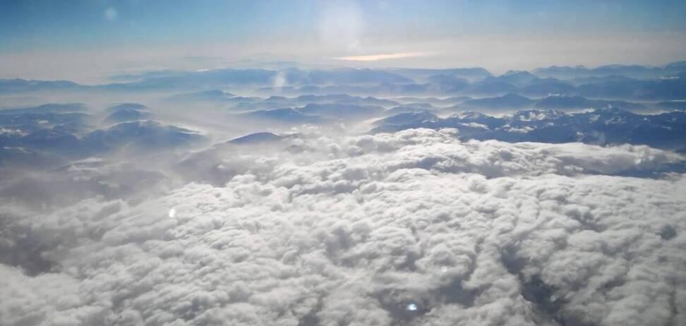 У горах Швейцарії впав літак