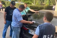 У Кам'янському спіймали копа-хабарника, якого в 2018 році вже ловили на поборах бізнесу