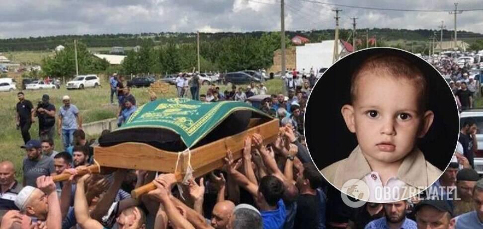 В Крыму попрощались с погибшим сыном политзаключенного Сулейманова. Видео