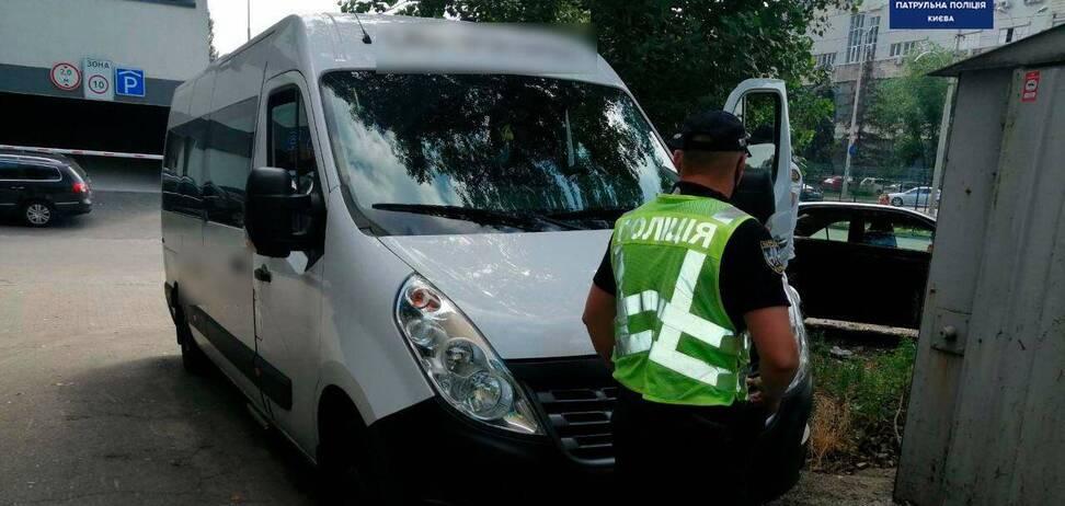 В Киеве патрульные поймали пьяного водителя автобуса