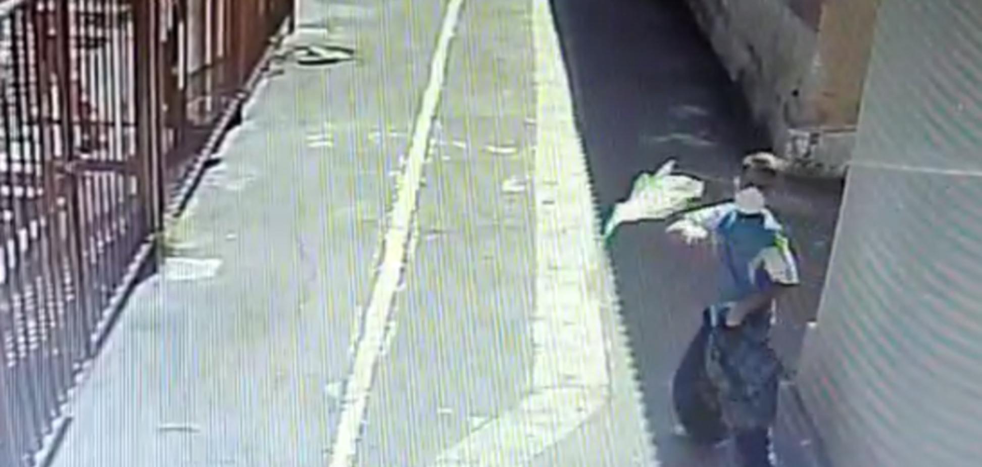 У Маріуполі на синагогу напав чоловік із сокирою