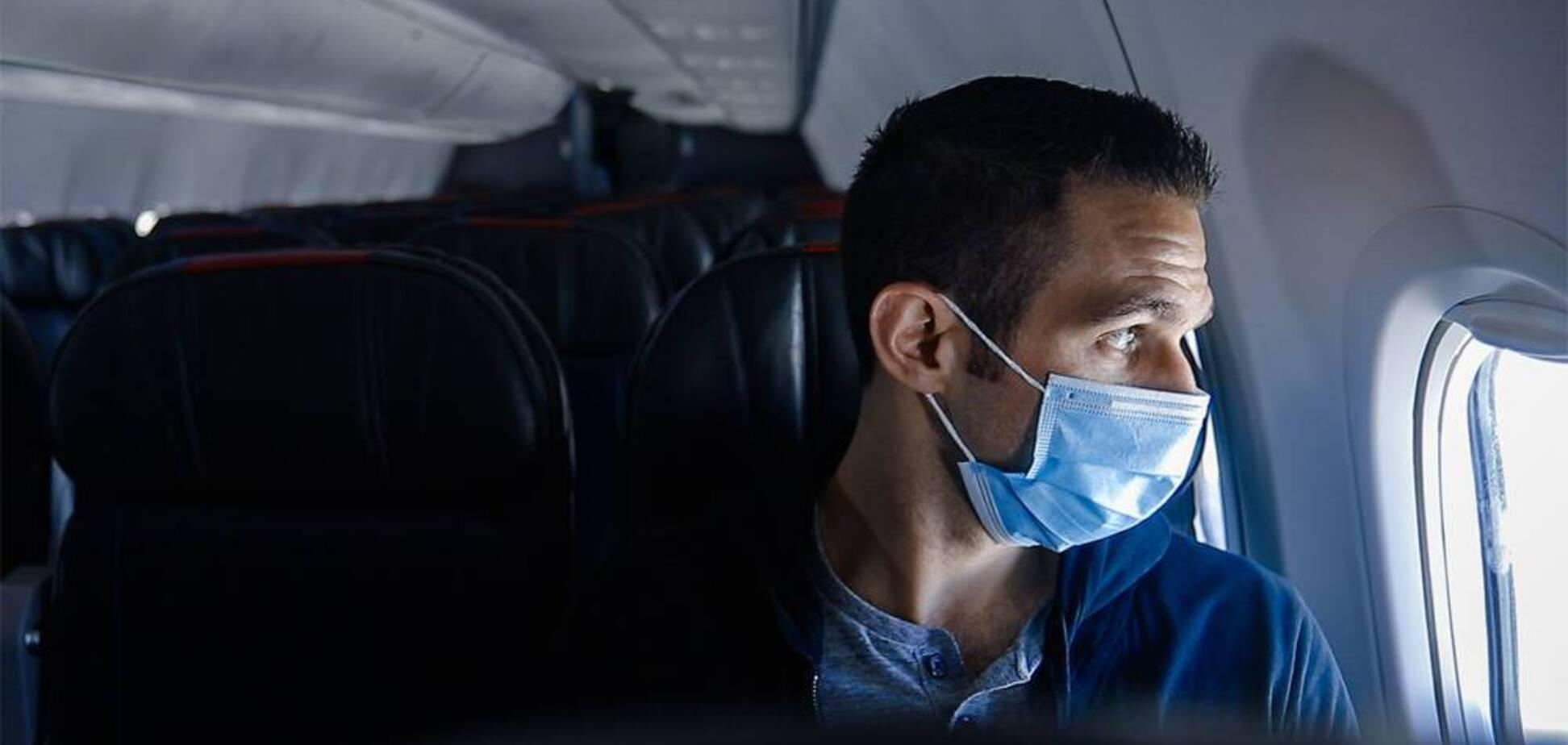 Названо головний спосіб захисту від хвороб на борту літака (фото - avianews.com)