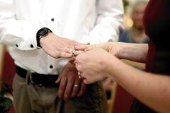 Как девушки делали мужчинам предложение руки и сердца: интересные истории