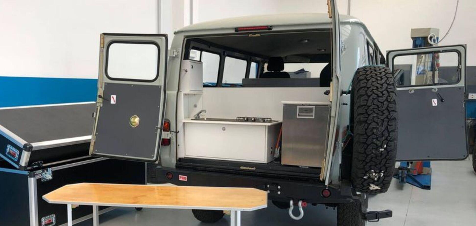 УАЗ-2206 превратили в современный кемпер. Фото: carakoom.com